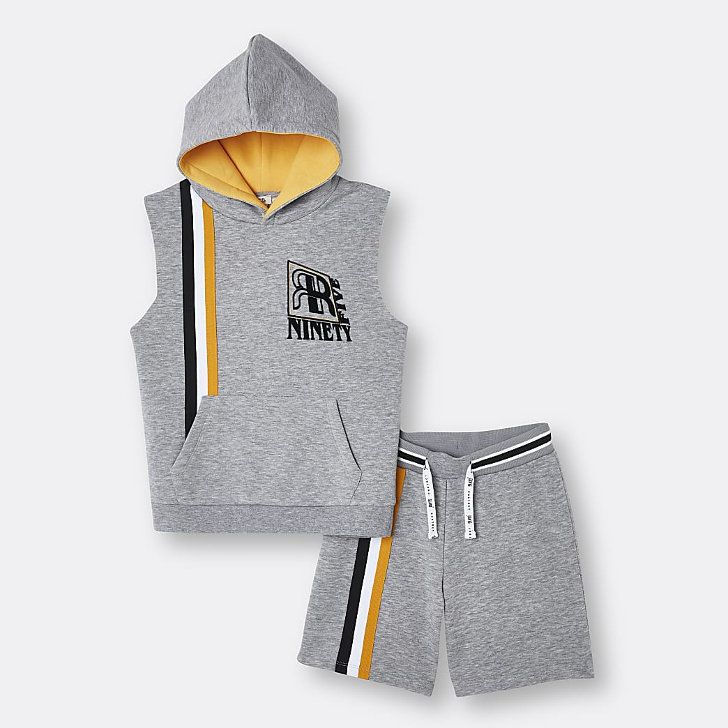 Boys grey sleeveless hoodie outfit