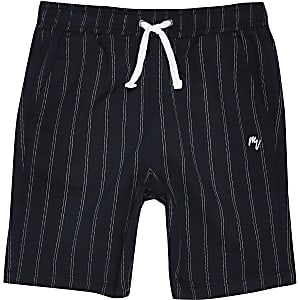 Marineblaue Shorts mit Nadelstreifen