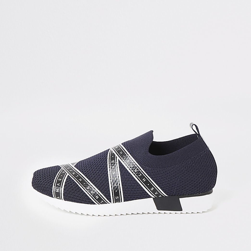Boys navy Svnth knitted runner trainers