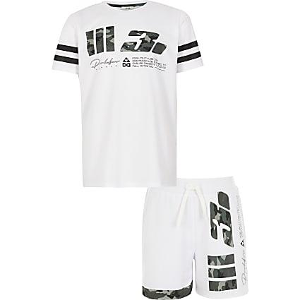 Boys white Prolific camo mesh T-shirt outfit