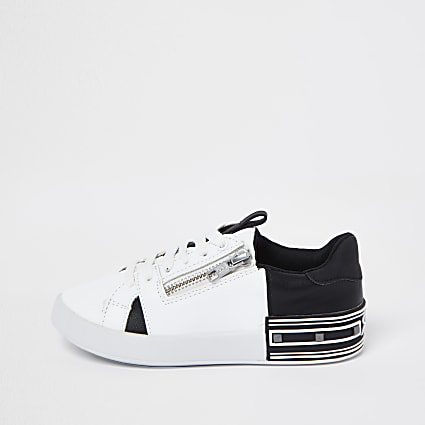 Boys white spliced side zip trainers