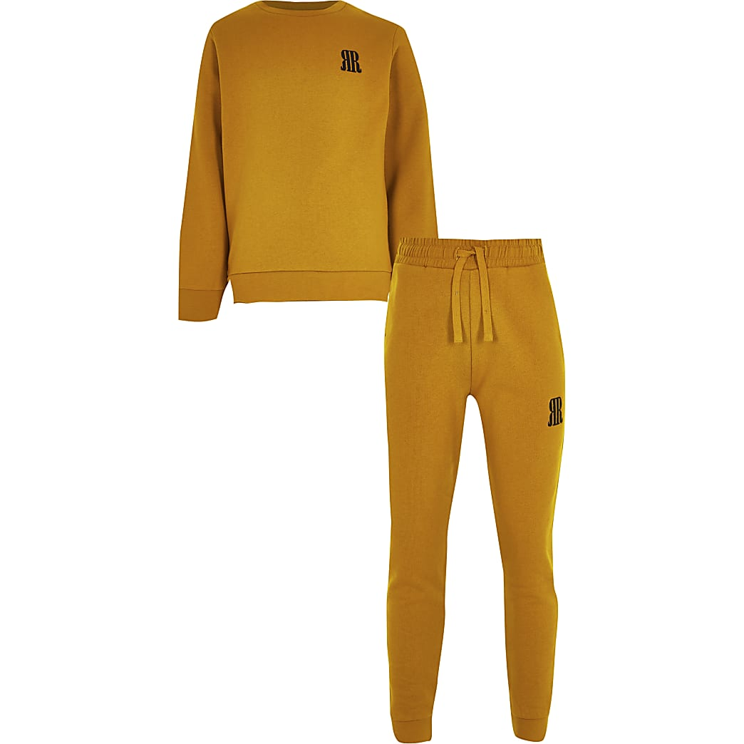 Boys yellow sweatshirt outfit