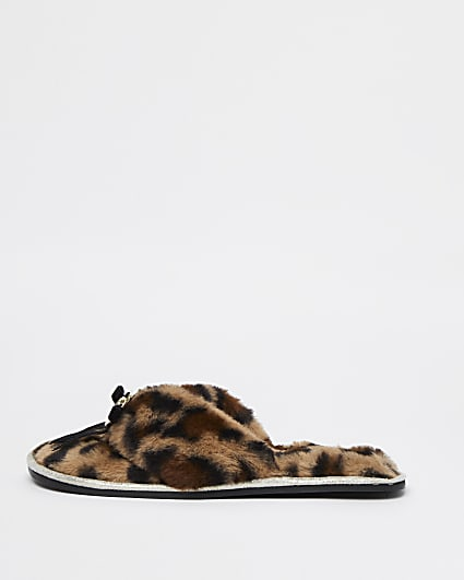 Brown animal print faux fur slippers