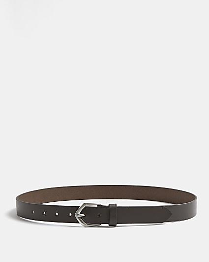 Brown arrow buckle belt