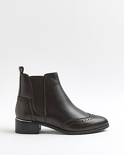 Brown brogue Chelsea boots