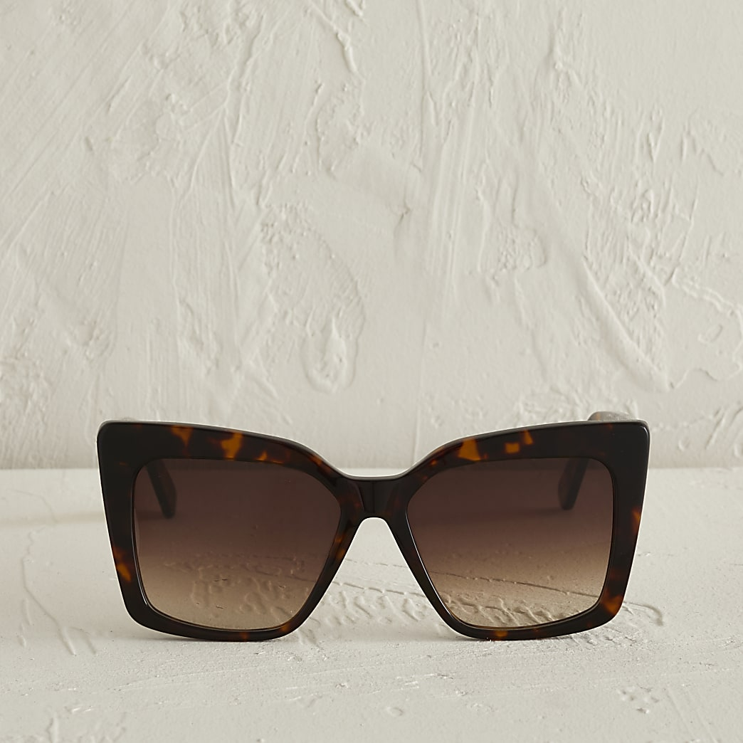 Brown cat eye tortoise shell sunglasses