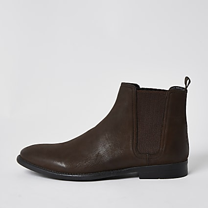 Brown distressed chelsea boot