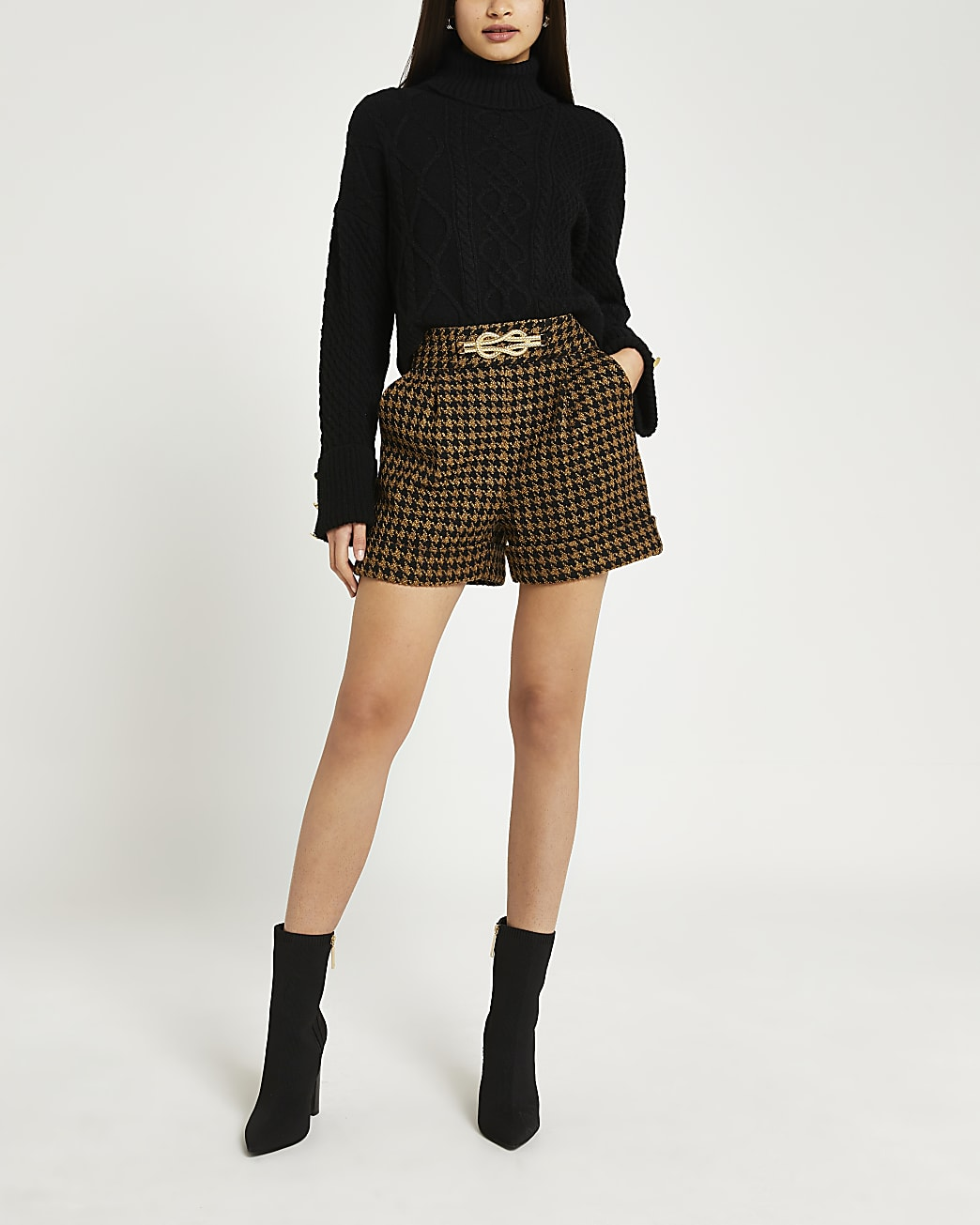 Brown dogtooth boucle shorts