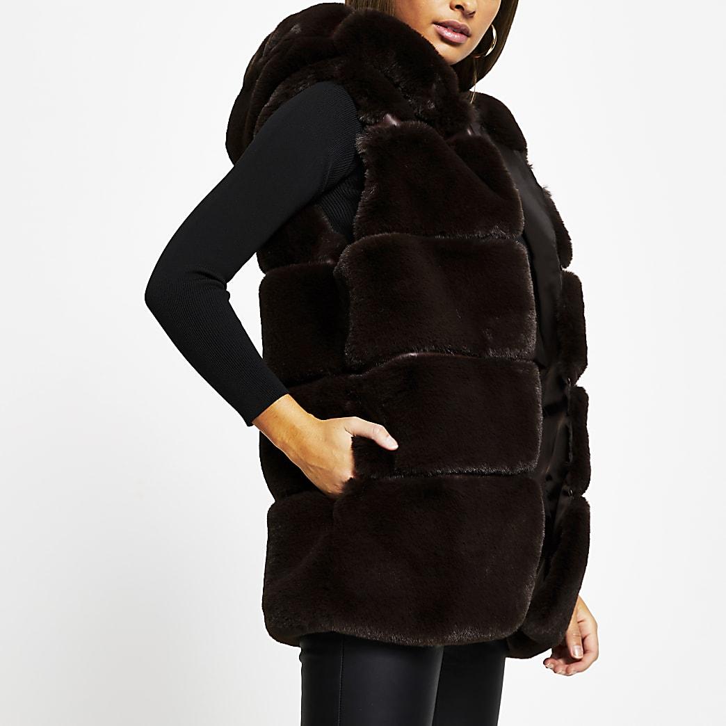 Brown faux fur hooded gilet