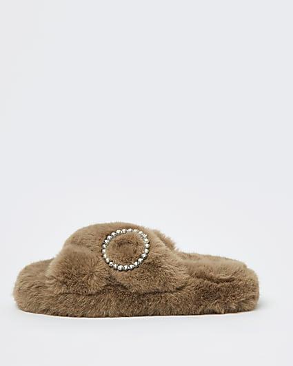 Brown faux fur slippers