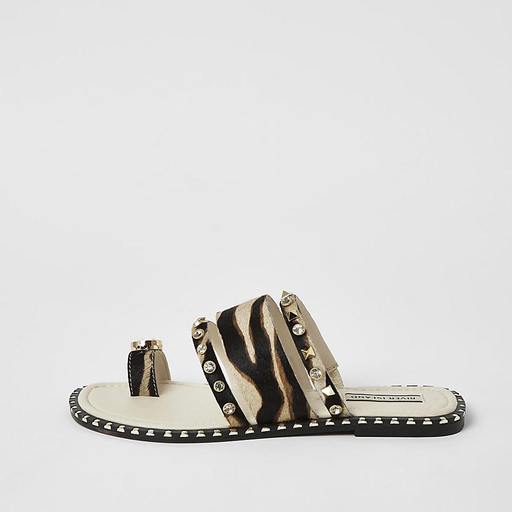 Brown leather animal print toe loop sandals