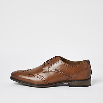 Brown leather derby brogue shoes