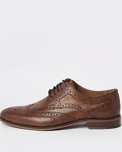 Brown leather lace-up brogue shoes