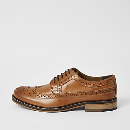 Brown leather lace-up derby brogues