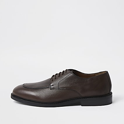 Brown leather lace-up emboss derby shoes