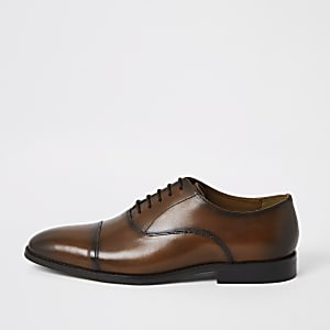 Brown leather lace-up Oxford brogues