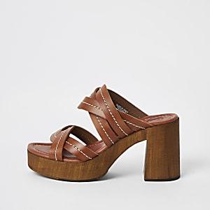 Sandales mules en cuir marron à plateforme