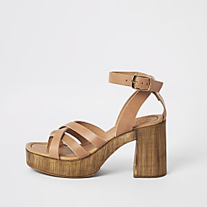Brown leather toe thong platform sandals
