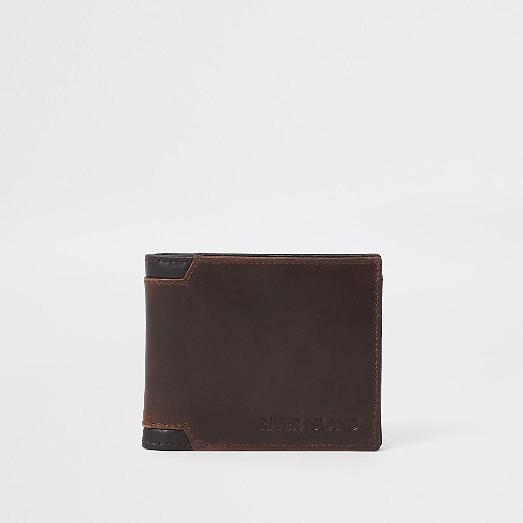 Bruine leren portemonnee.