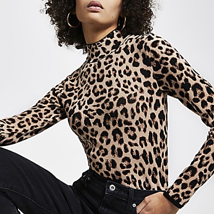 Brown leopard print fitted high neck top