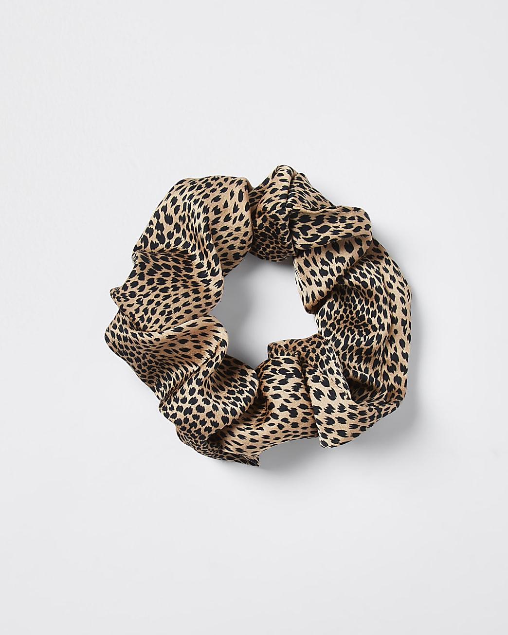 Brown oversized leopard scrunchie