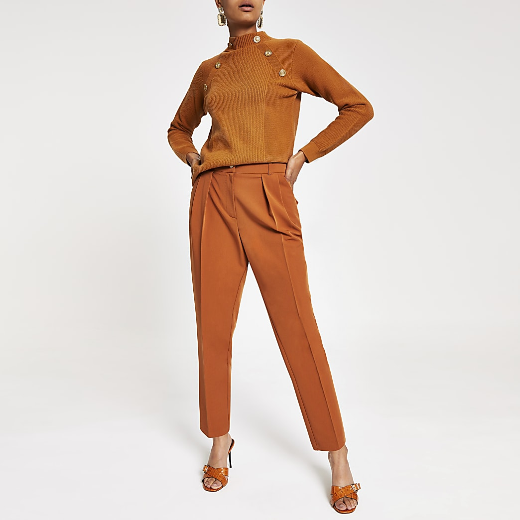 Brown pleated tapered trousers