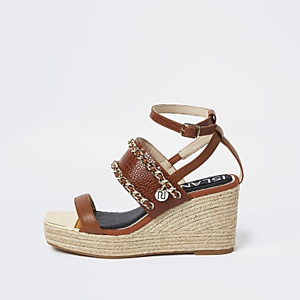 Brown RI chain detail wedge heels