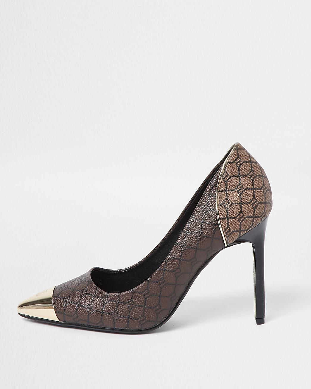 Brown RI monogram court shoe