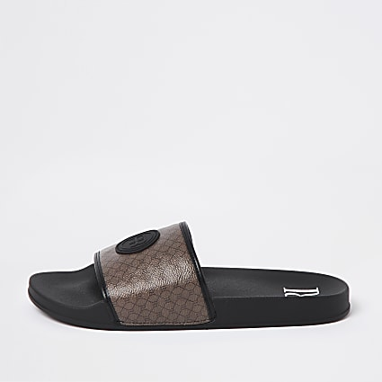 Brown RI monogram sliders