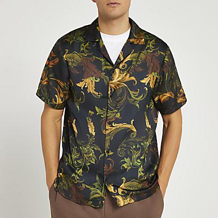 Brown scarf print revere short sleeve shirt