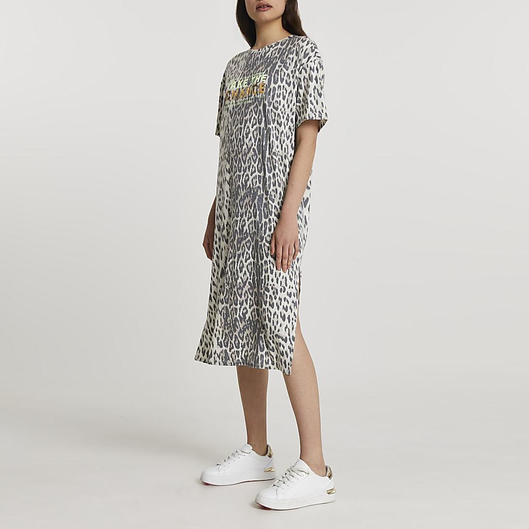Brown short sleeve animal midi t-shirt dress