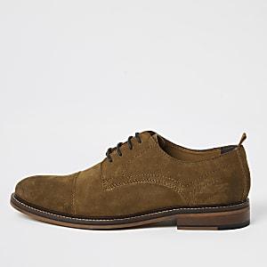 Chaussures derby lacées en daim marron