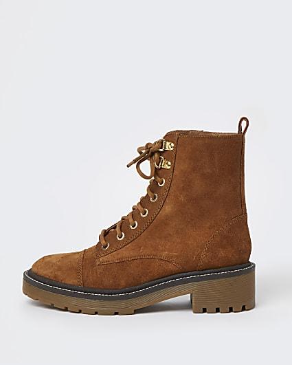 Brown tan suede biker boots