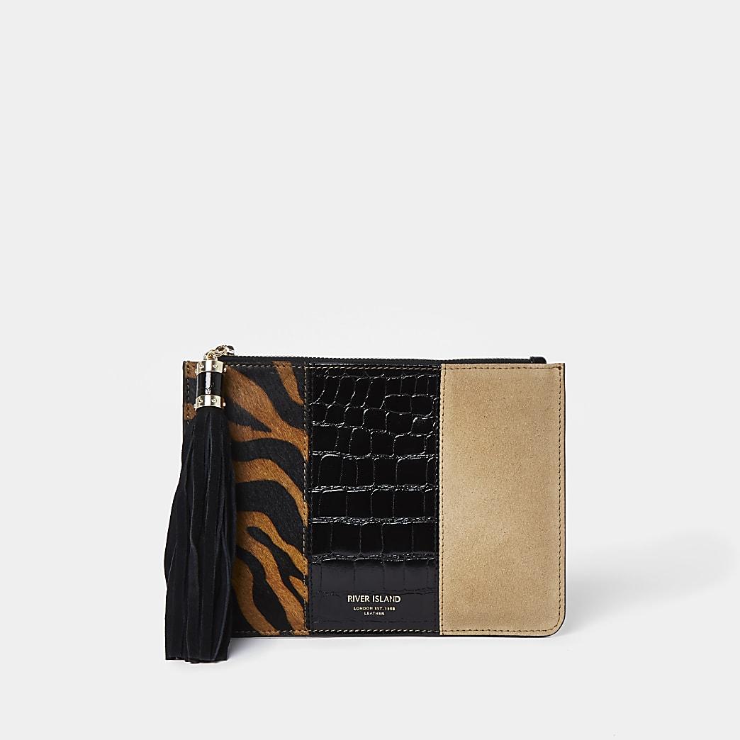 Brown tiger mix pochette bag