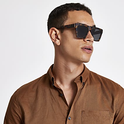 Brown tortoise shell D frame sunglasses