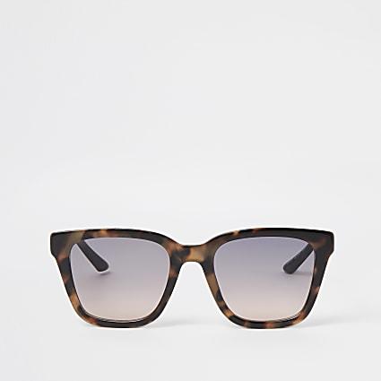 Brown tortoise shell square frame sunglasses