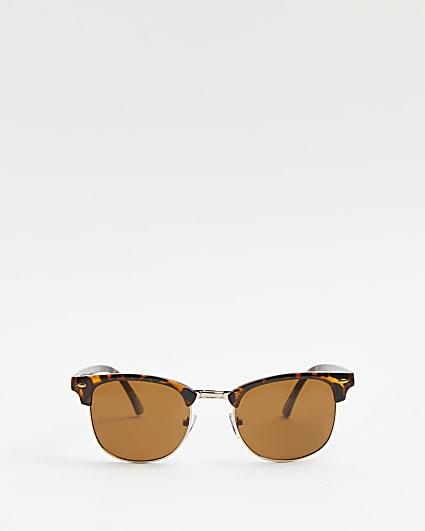 Brown tortoisehell tinted lense sunglasses