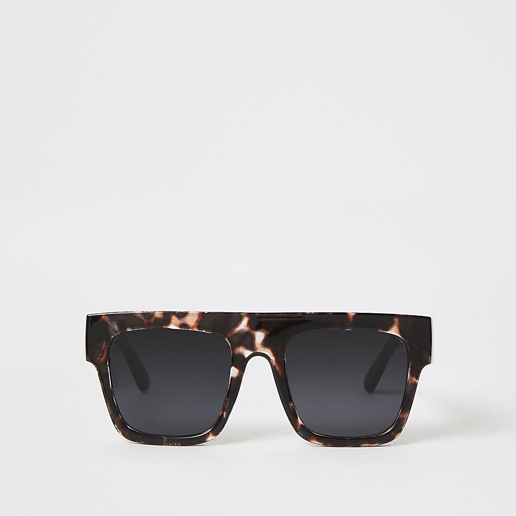 Brown tortoiseseshell visor sunglasses