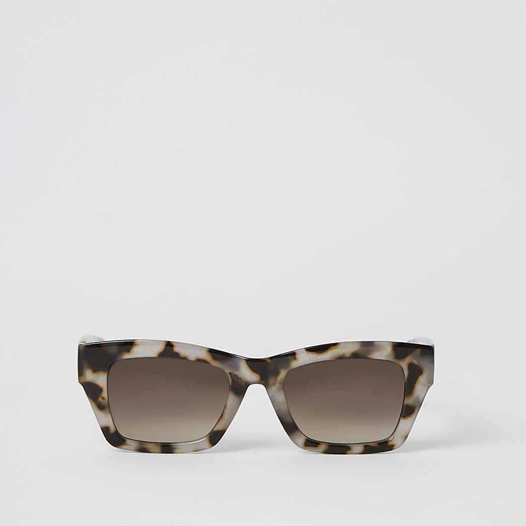 Brown tortoiseshell square glam sunglasses