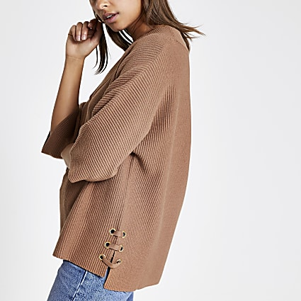 Brown V neck lace-up side knitted jumper