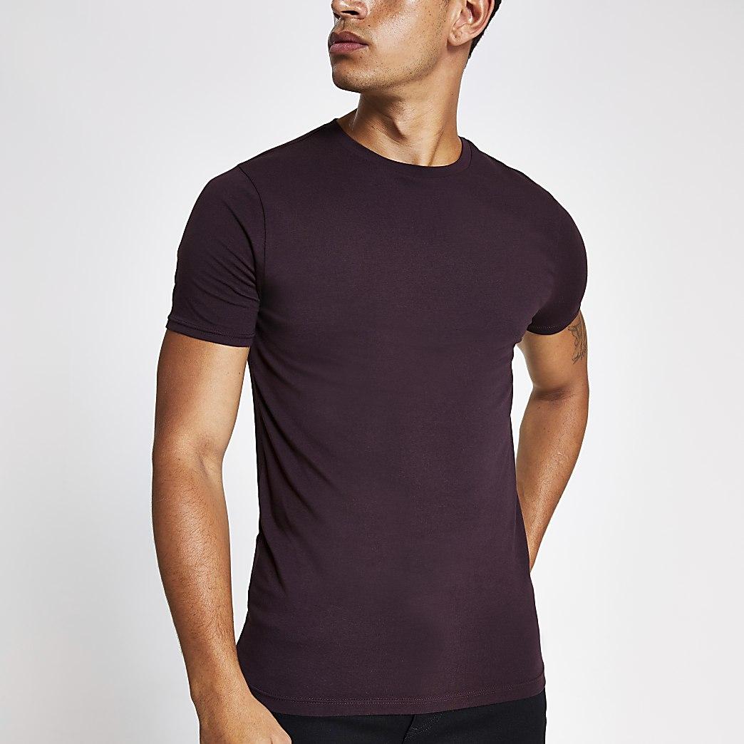 Bordeauxrood aansluitend T-shirt met ronde hals