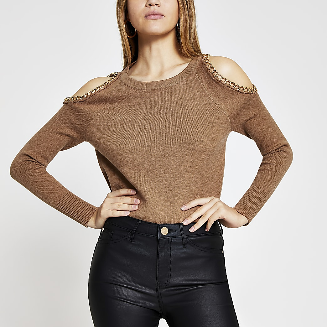 Camel chain detail cold shoulder jumper