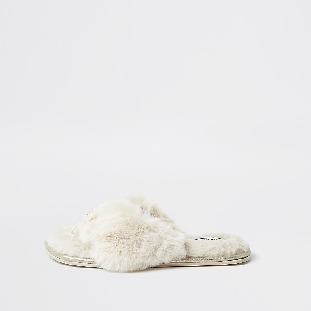 Cream bow faux fur slippers