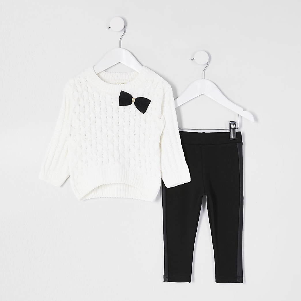 Cream chenille legging outfit