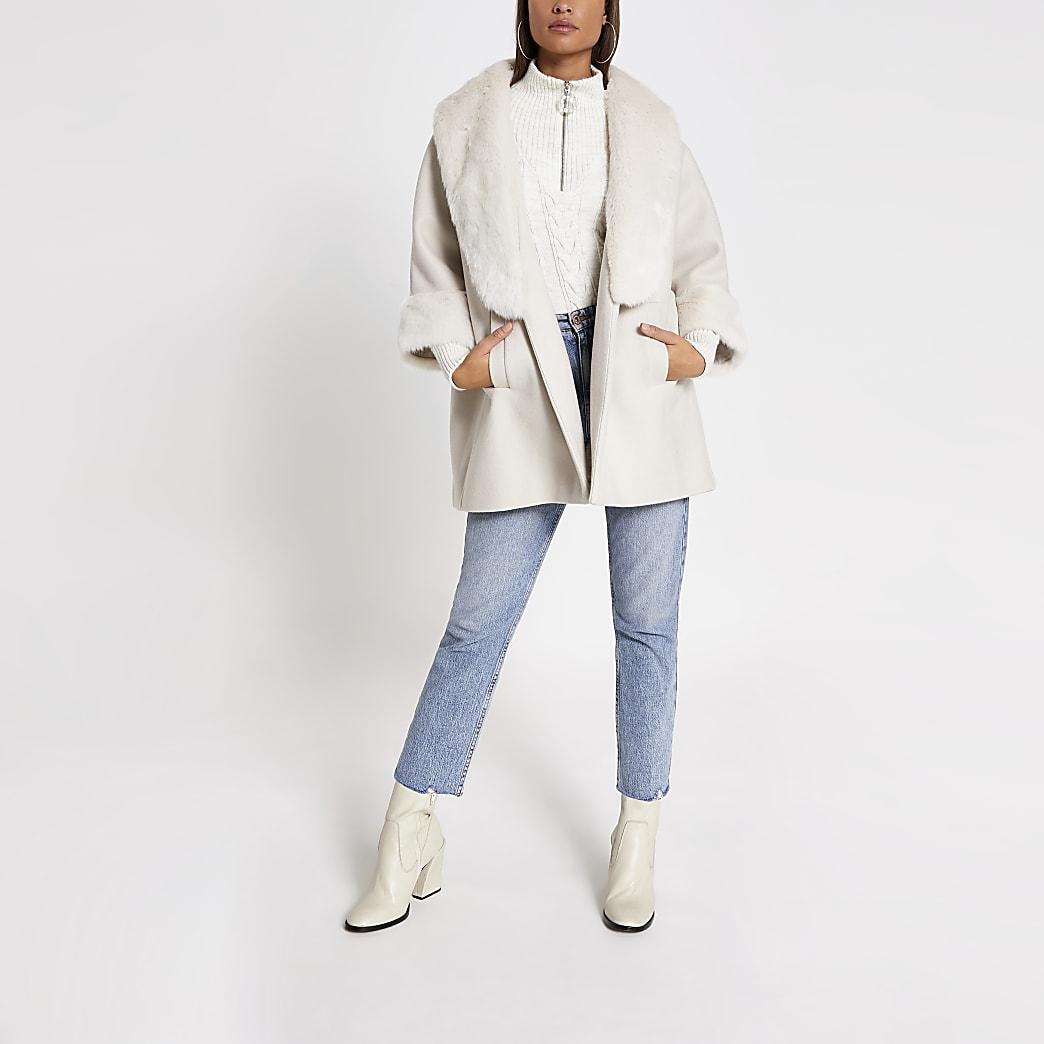 Manteau évasé crème avec col en fausse fourrure
