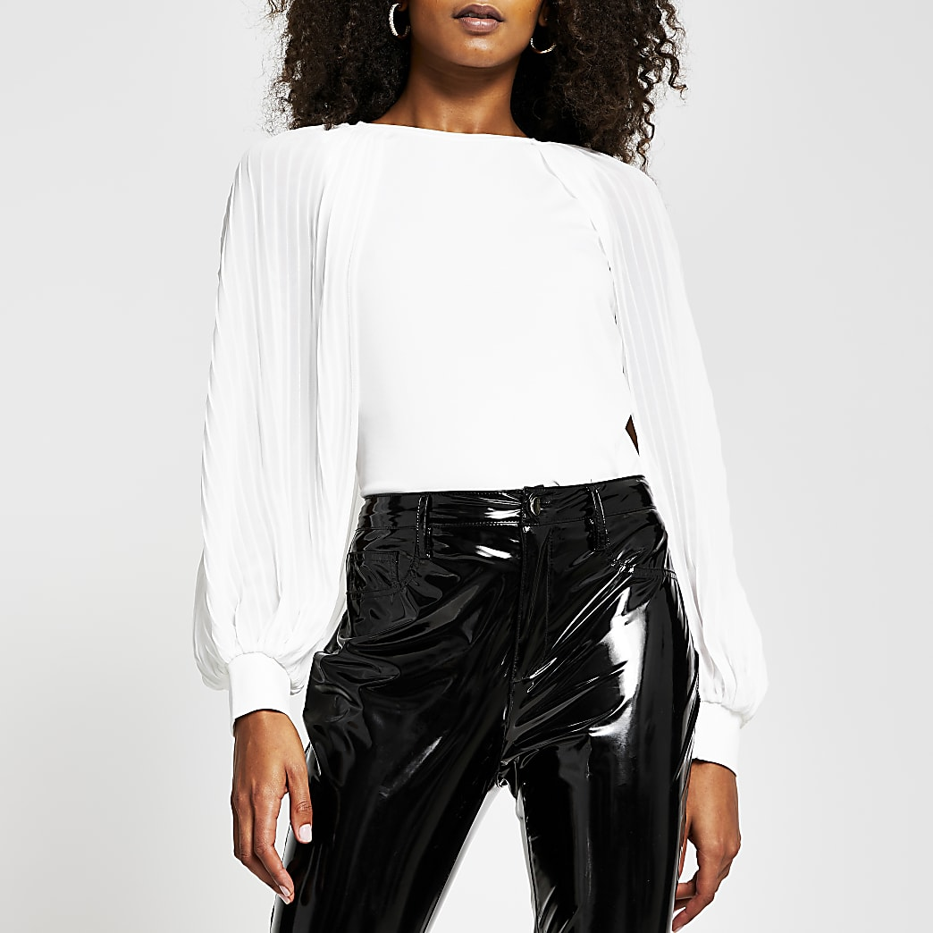 Cream long blouson sleeve pleated top