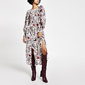 Crèmekleurige shirred midi-jurk met paisleyprint en lange mouwen