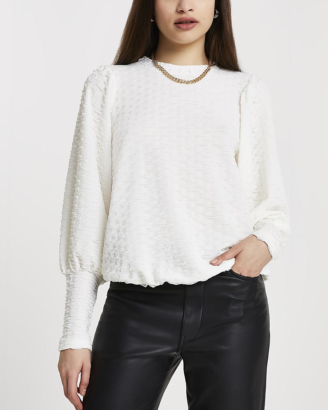Cream puff sleeve textured top
