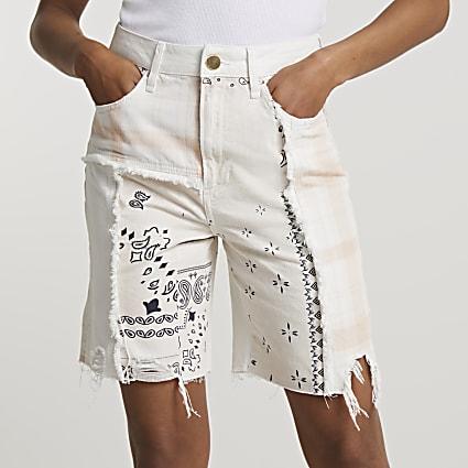 Cream scarf print bermuda shorts