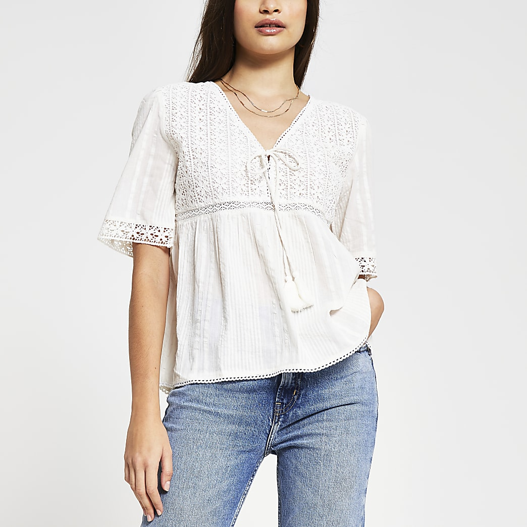 Cream short sleeve embroidery top